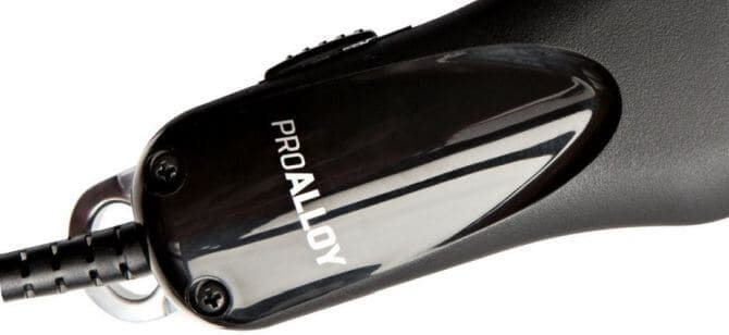 Also great as a fade clipper, Andis Pro Alloy XTR challenges Andis Master with its performance.