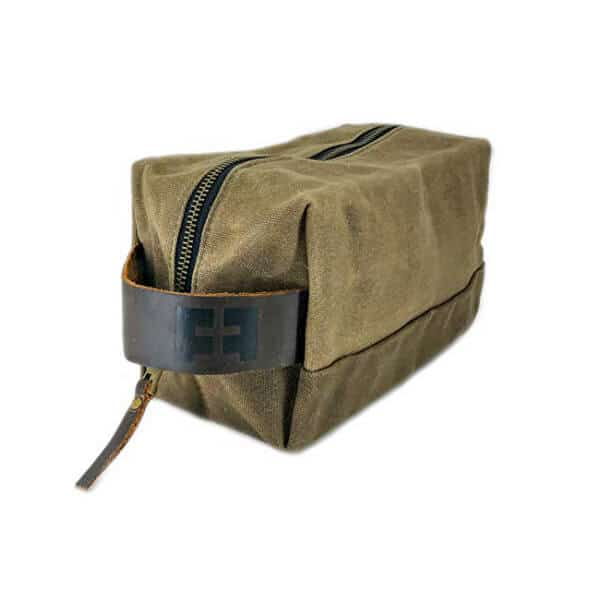 waxed-canvas-dopp-bag